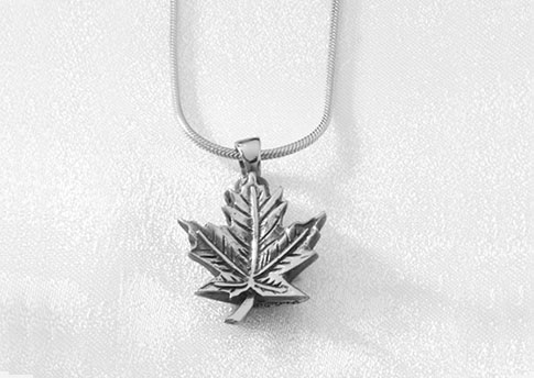 Maple Leaf Pendant - Stirling Silver Image