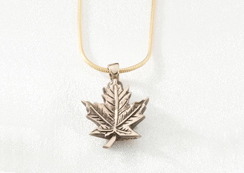Maple Leaf Pendant - Gold Vermeil Image