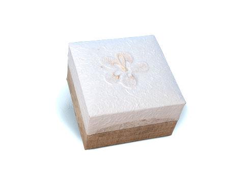 Bio Urn Embrace - White Image
